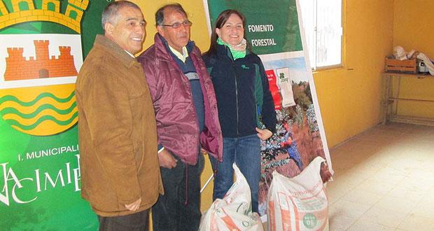 CONAF entregó sacos de fertilizante a más de 40 propietarios forestales de Nacimiento
