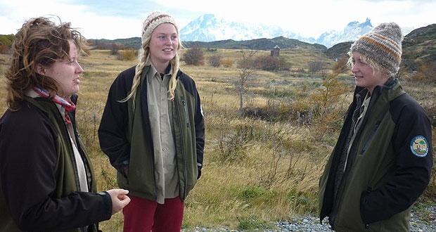 Voluntarias suecas trabajaron un mes en el Parque Nacional Torres del Paine