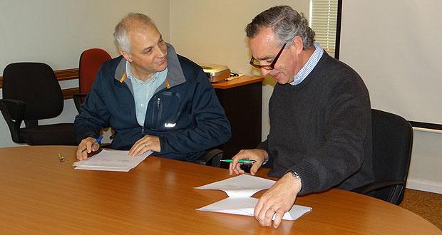 CONAF firma convenio con Forestal Russfin para trabajar en Estrategia Nacional de Bosques y Cambio Climático