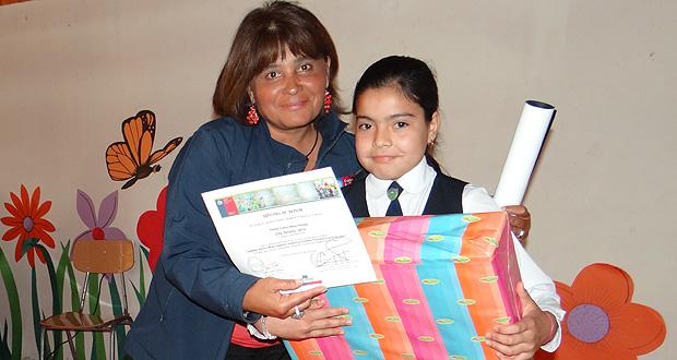Elba Becerra Ubilla, de tercero básico del Colegio Los Maitenes, Mejor Cuento Pintado.
