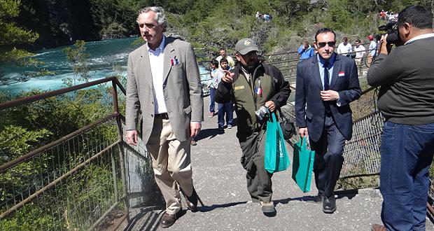 CONAF inaugura nueva infraestructura de cobros en los Saltos del Petrohué.
