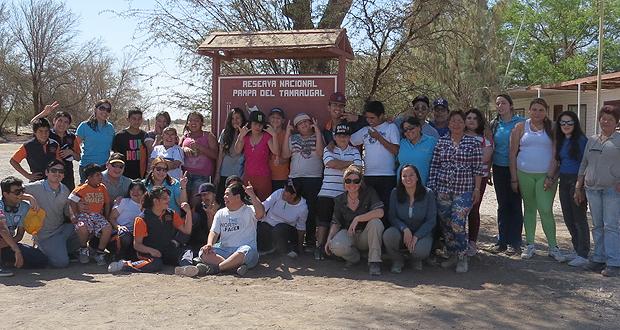 Estudiantes discapacitados visitaron la Reserva Nacional Pampa del Tamarugal.