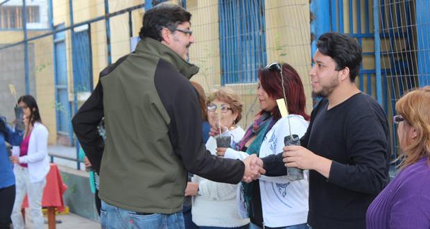 CONAF dona árboles al Servicio Nacional de Menores en Tarapacá