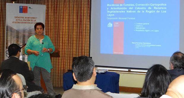 Jefe del Departamento de Monitoreo de Ecosistemas Forestales de CONAF, la ingeniero forestal Verónica Oyarzún.