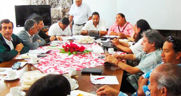 Comisionados del Pueblo Rapa Nui y CONAF se reúnen para discutir modelo de gobernanza sustentable para el Parque Nacional Rapa Nui.