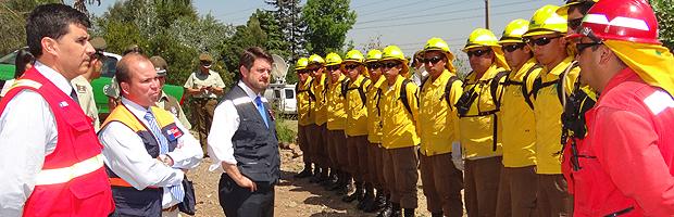 Intendente RM, CONAF, ONEMI y Carabineros llaman a evitar los incendios forestales