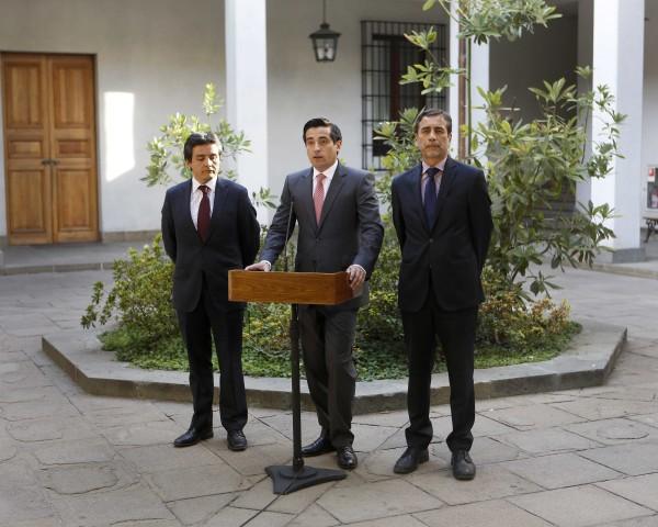 ministro Peñailillo firma circular