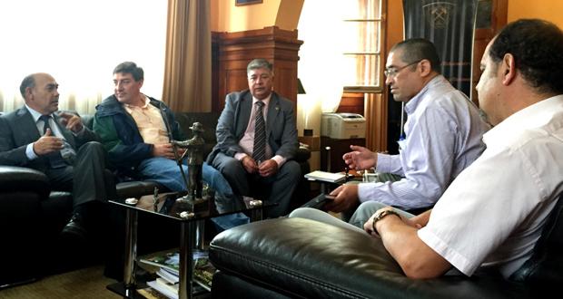Reunión entre representantes de CONAF, Universidad de Atacama y el Centro Regional de Investigación y Desarrollo Sustentable de Atacama.