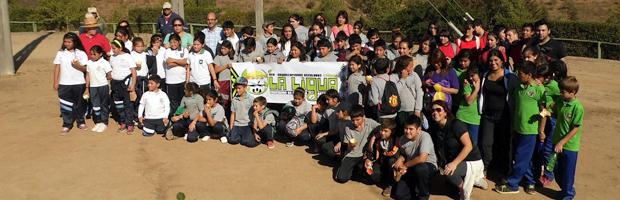 Escolares plantaron 120 árboles nativos en el Parque Periurbano de La Ligua