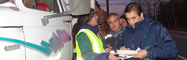 CONAF realiza control carretero nocturno al transporte de productos del bosque nativo
