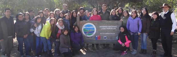 Guardaparques enseñan a 43 educadoras de párvulos medidas para prevenir incendios forestales