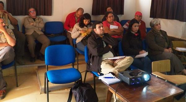 Encuentro participativo entre Sernatur, la comunidad, emprendedores del lugar y CONAF.