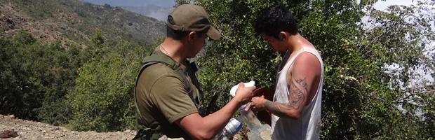 En buenas condiciones rescataron a joven porteño atrapado en cerro La Campana