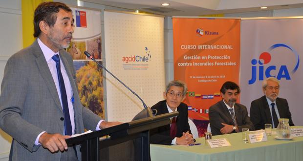 Aarón Cavieres, director ejecutivo de CONAF.