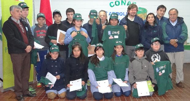 CONAF Los Ríos conformó dos brigadas ecológicas en la comuna de Río Bueno.
