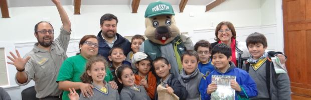Niños de Valdivia aprendieron del Santuario de la Naturaleza Carlos Anwandter