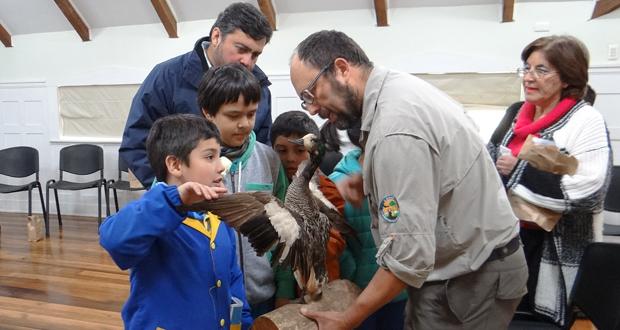 Niños del colegio Laico de Valdivia aprendieron del Santuario de la Naturaleza Carlos Anwandter.