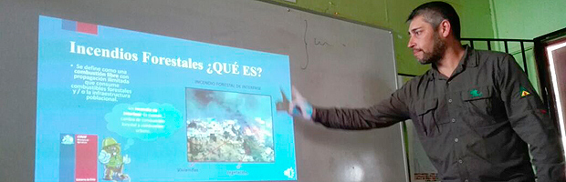 Capacitan a 93 estudiantes de Marga Marga en prevención de incendios forestales