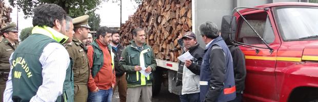 Mesa regional de fiscalización realizó un control al transporte de leña en Valdivia