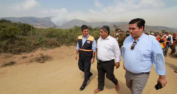 Autoridades recalcaron que este incendio no es como los acontecidos en el sur del país.