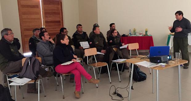 Charla fue dictada por el encargado de la Estrategia Nacional de Accesibilidad a la Naturaleza de CONAF, Ángel Lazo.
