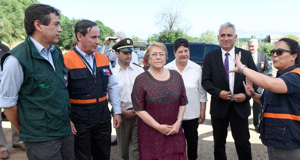 La última actividad de la Jefa de Estado, Michelle Bachelet, durante su gira a la Región de O'Higgins, fue la visita a las obras de mantención y construcción de cortafuegos de la comuna de Coltauco, que se enmarcan en la estrategia para el fortalecimiento de la gestión de incendios forestales 2017 – 2018