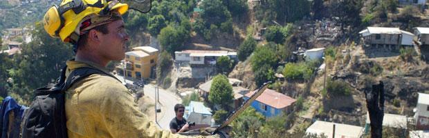 CONAF entrega tips para prevenir incendios a dirigentes vecinales de Valparaíso
