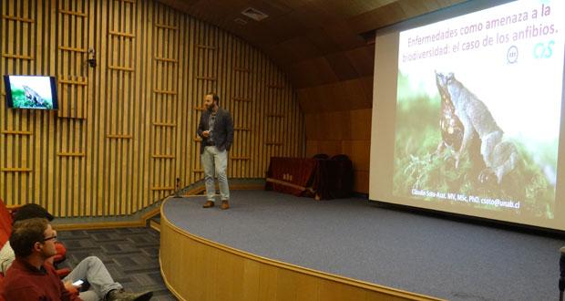 Seminario reunió a estudiantes de la Universidad Andrés Bello y a público en general.