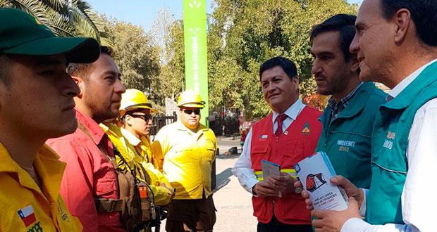 El Director Ejecutivo de CONAF, José Manuel Rebolledo Cáceres y el Ministro de la Vivienda y Urbanismo, Cristian Monckeberg, hicieron un llamado a prevenir incendios forestales durante este fin de semana largo.