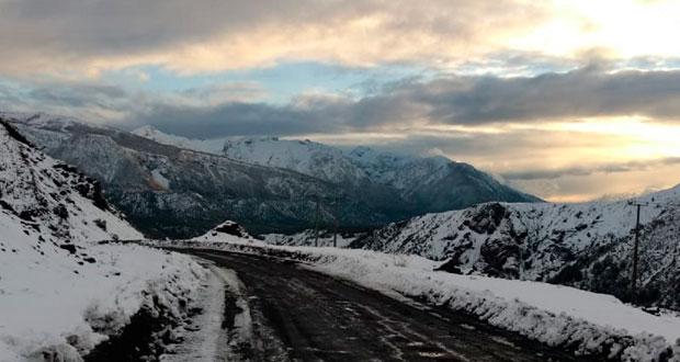 la Corporación hace un llamado a los conductores para que sus vehículos cuenten con cadenas para nieve, a fin de evitar cualquier inconveniente o accidente.