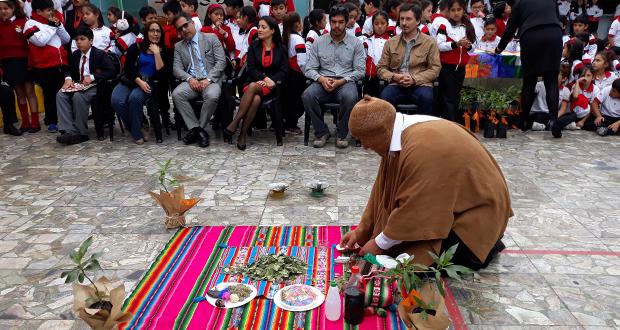 Conmemoración del Día del Árbol tuvo al inicio la ceremonia de la Pawa, con la cual su oficiante, Gino Grunewald, destacó la importancia de la forestación y su relación con la protección del agua.