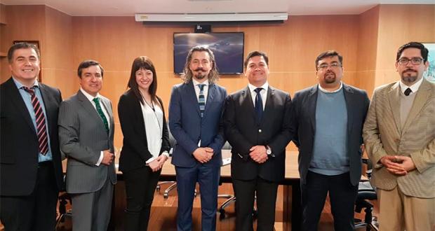El protocolo fue suscrito por el fiscal nacional (s) Pablo Gómez y el director ejecutivo de CONAF, José Manuel Rebolledo, y busca desarrollar un trabajo mancomunado que permita facilitar la persecución penal de los autores de este delito.