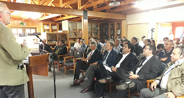 La actividad, organizada por la Corporación Nacional Forestal (CONAF) y el Instituto Forestal (INFOR), con el apoyo de la Fundación para la Innovación Agraria (FIA), es la segunda realizada durante la semana.