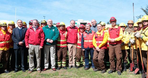 El Ministro Antonio Walker llamó a la ciudadanía a la prevención para evitar incendios forestales.