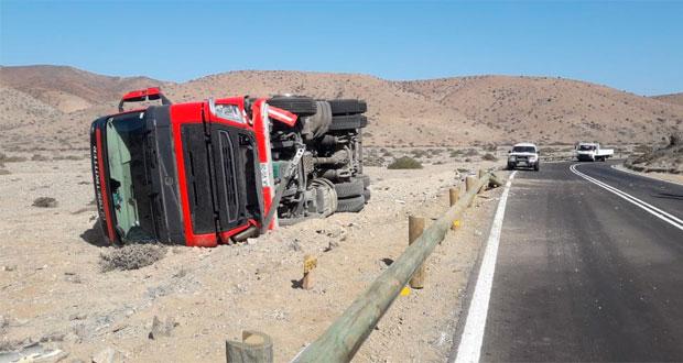 A fines de noviembre del año pasado el Ministerio de Agricultura manifestó su preocupación por el tránsito de vehículos de alto tonelaje, tras volcar un camión que trasladaba fruta desde Curicó a Arica y se estimó que fue posiblemente por exceso de velocidad y pérdida de control del vehículo.