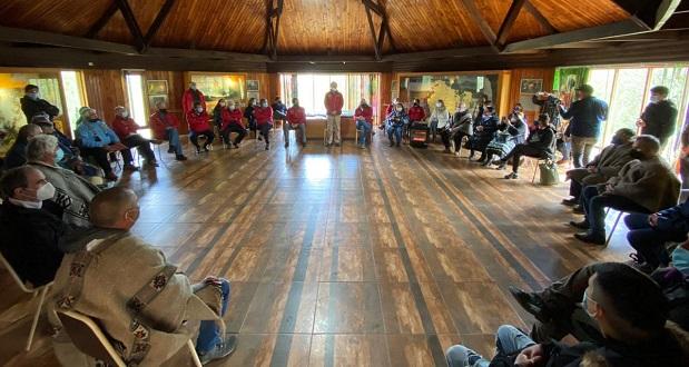 La jornada prosiguió con un encuentro del Gabinete de Agricultura con líderes representantes del pueblo Mapuche en la región.