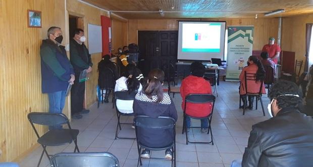 """Taller de """"Comunidad preparada ante los incendios forestales"""", desarrollado en el sector de Chequenal, en Nacimiento."""