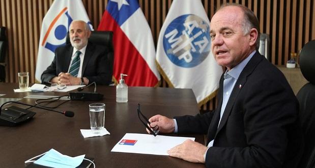 Durante la reunión que sostuvieron el ministro Walker y el director ejecutivo de CONAF, Rodrigo Munita, con el Fiscal Nacional, Jorge Abbott, se comprometió un trabajo conjunto y estrecho entre las instituciones.