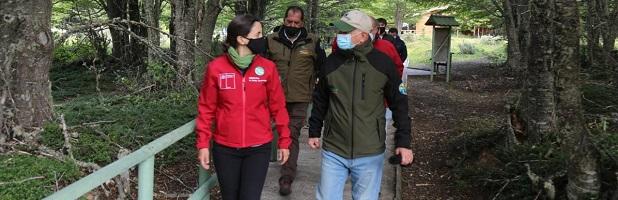 Ministerio de Agricultura anuncia suspensión del pago de deuda para concesionarios de Parques Nacionales administrados por CONAF afectados por la pandemia